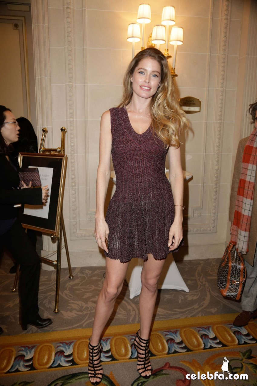 lily-donaldson-and-doutzen-kroes-paris-fashion-week-tasting-night (4)