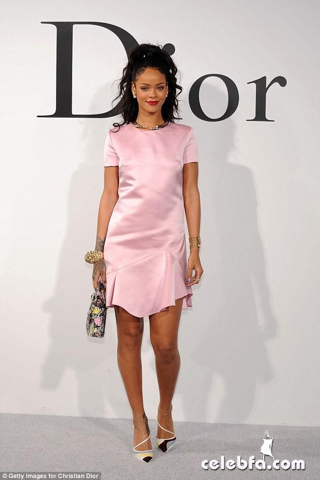 Rihanna-Dior (1)