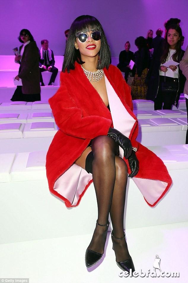 Rihanna-Dior (2)