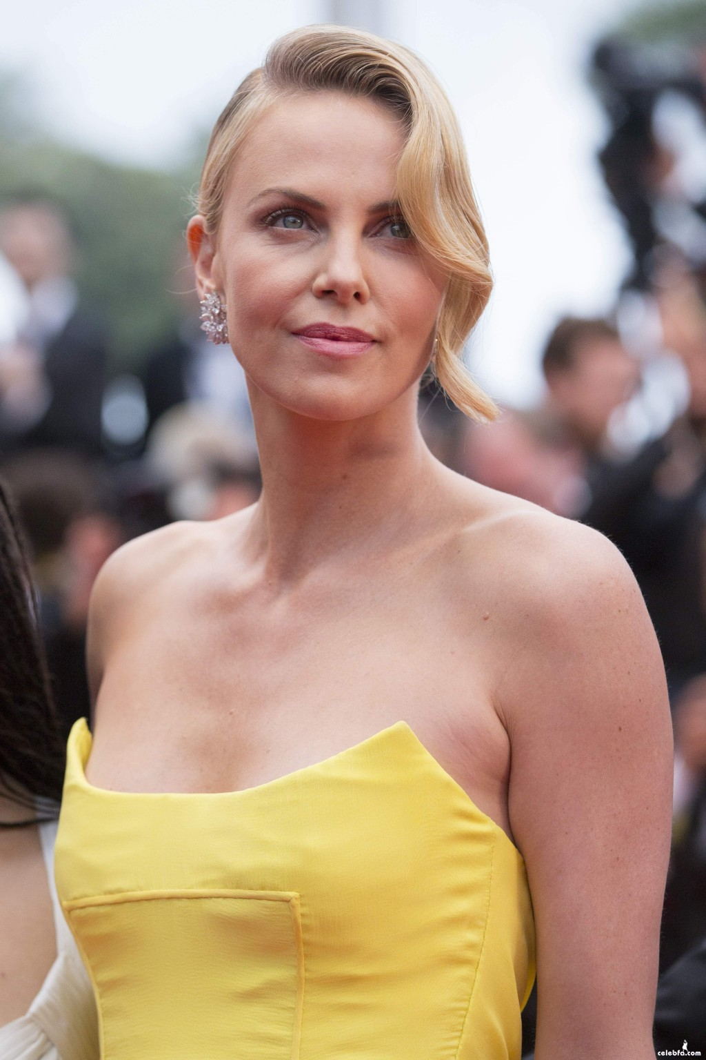 Charlize_Theron__Mad_Max_Fury_Road_Cannes (3)