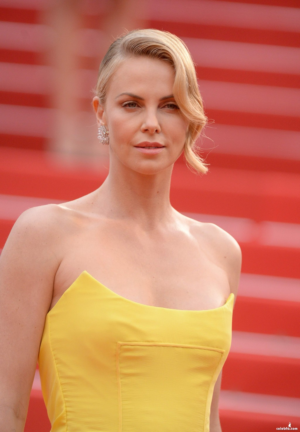 Charlize_Theron__Mad_Max_Fury_Road_Cannes (5)