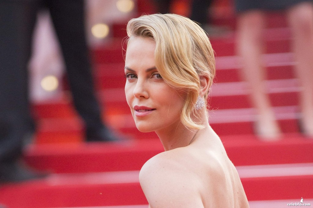 Charlize_Theron__Mad_Max_Fury_Road_Cannes (8)
