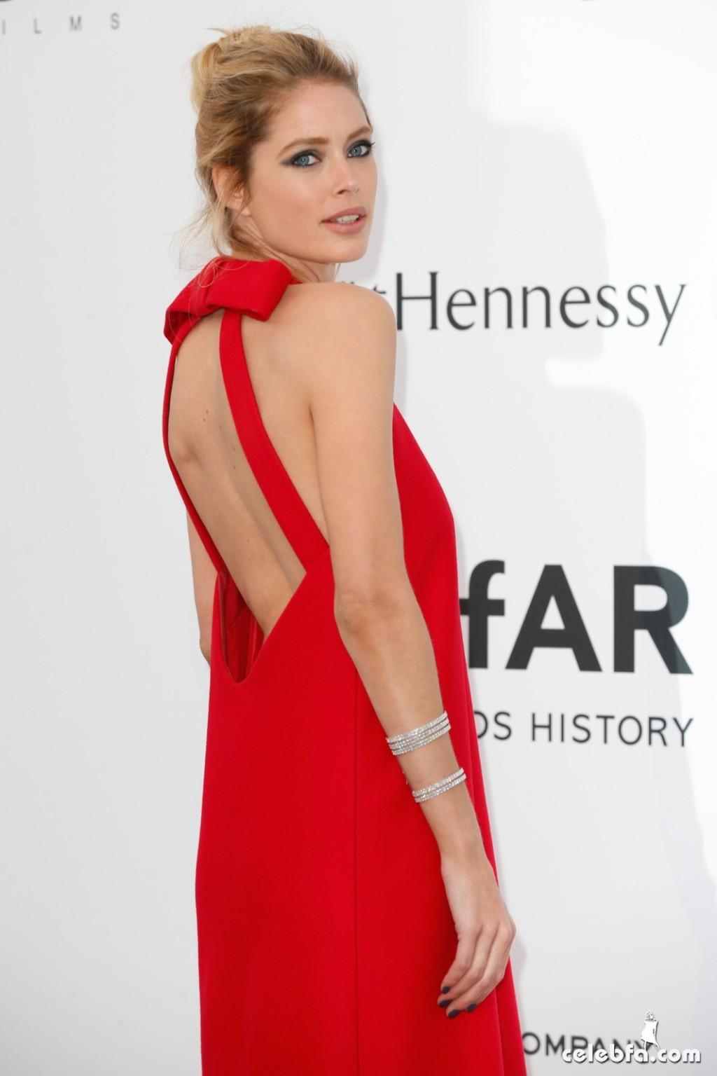 Doutzen_Kroes_amfAR's Cannes Gala (2)