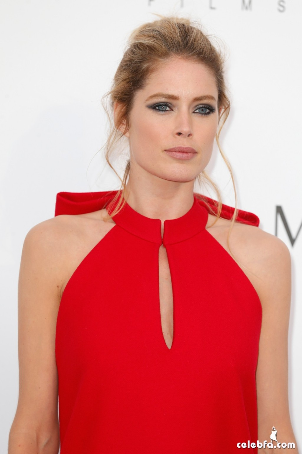 Doutzen_Kroes_amfAR's Cannes Gala (6)