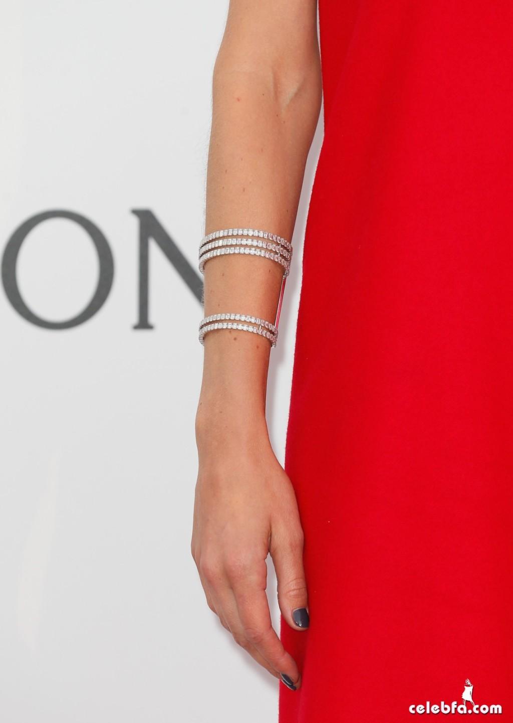 Doutzen_Kroes_amfAR's Cannes Gala (7)