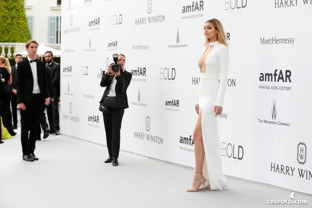 Gigi_Hadid_amfAR's Cannes Gala (10)