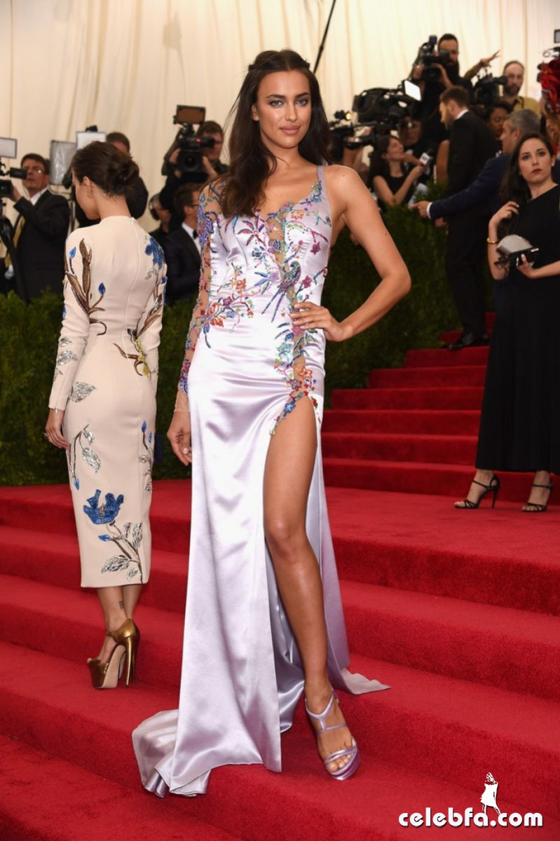 irina-shayk-at-met-gala-2015 (3)