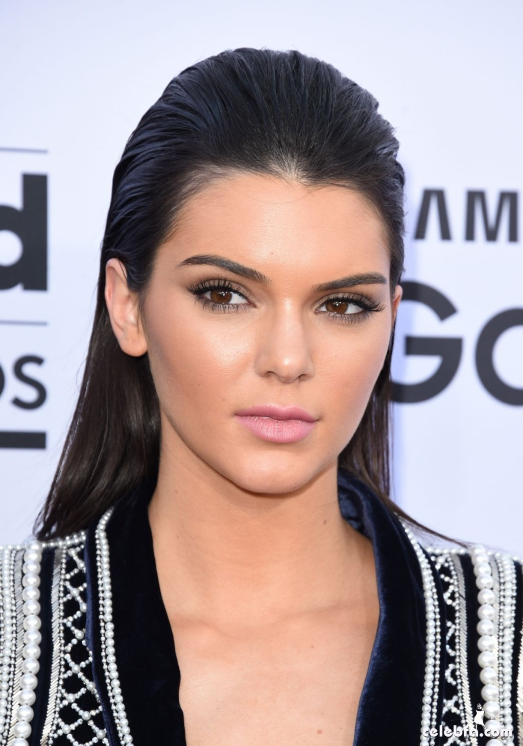kendall-jenner-at-2015-billboard-music-awards (11)