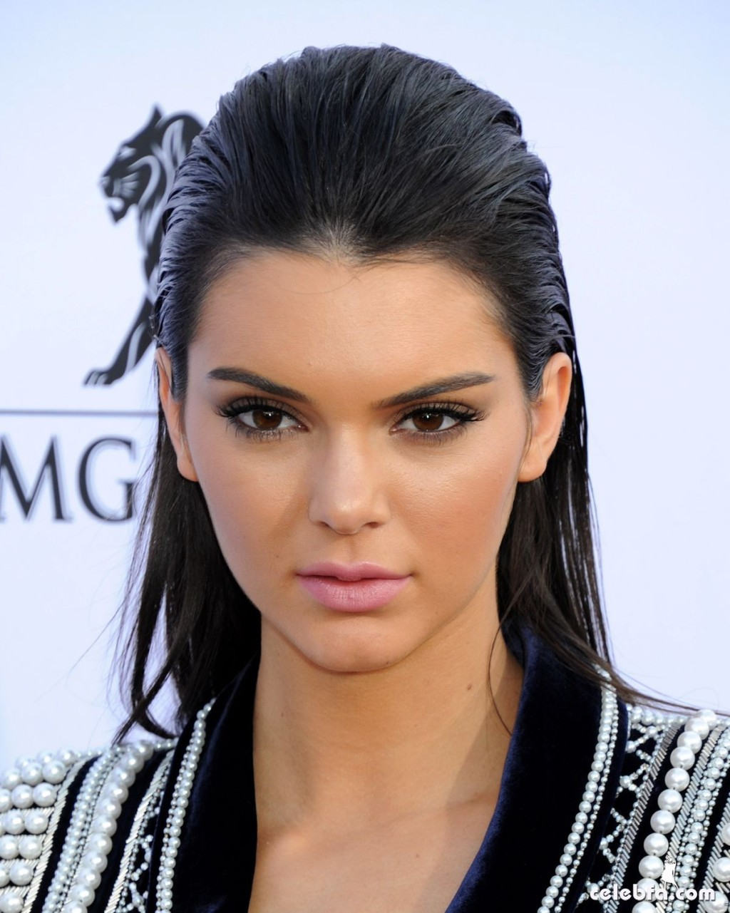 kendall-jenner-at-2015-billboard-music-awards (3)