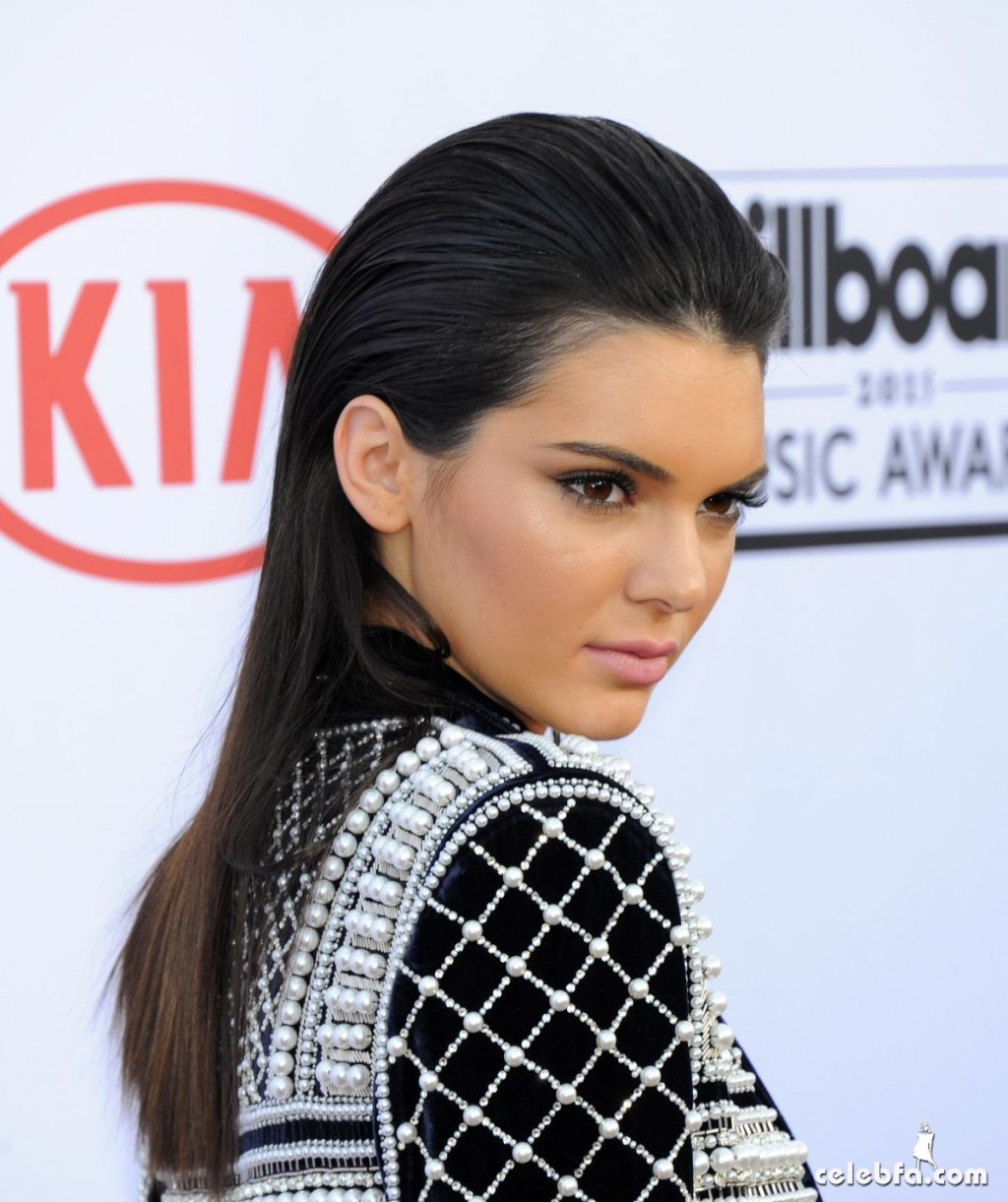 kendall-jenner-at-2015-billboard-music-awards (4)