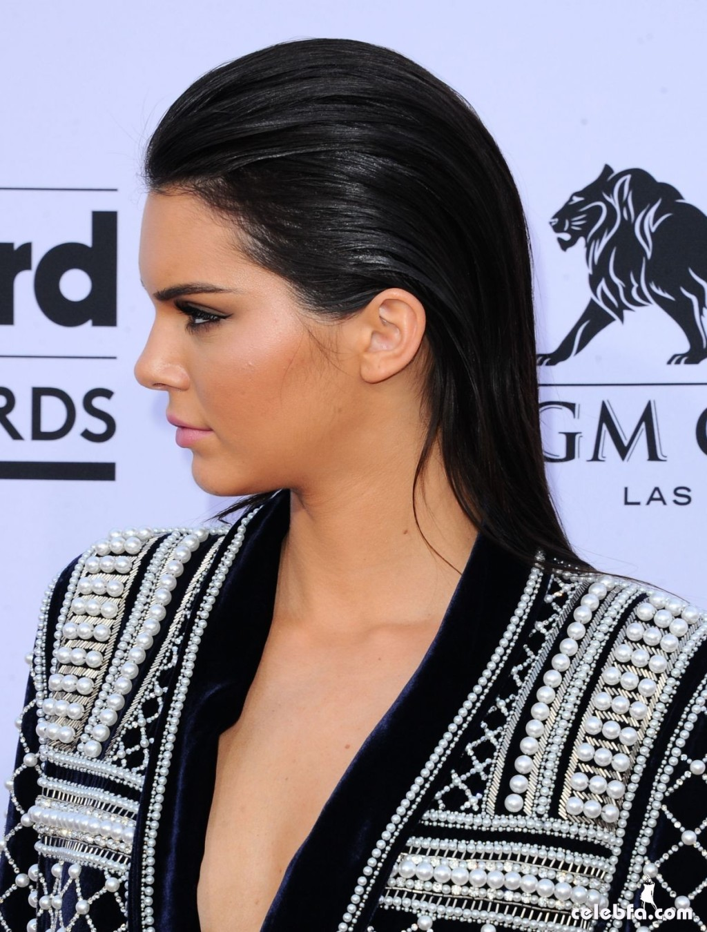 kendall-jenner-at-2015-billboard-music-awards (5)