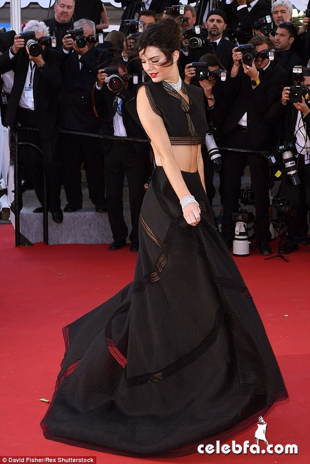 Kendall Jenner Cannes (11)