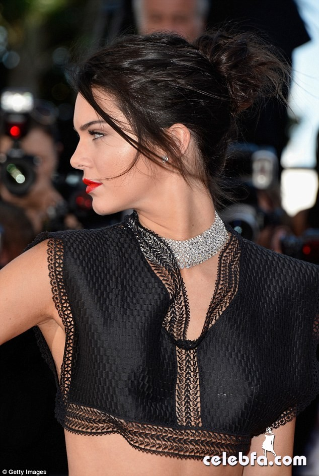 Kendall Jenner Cannes (13)