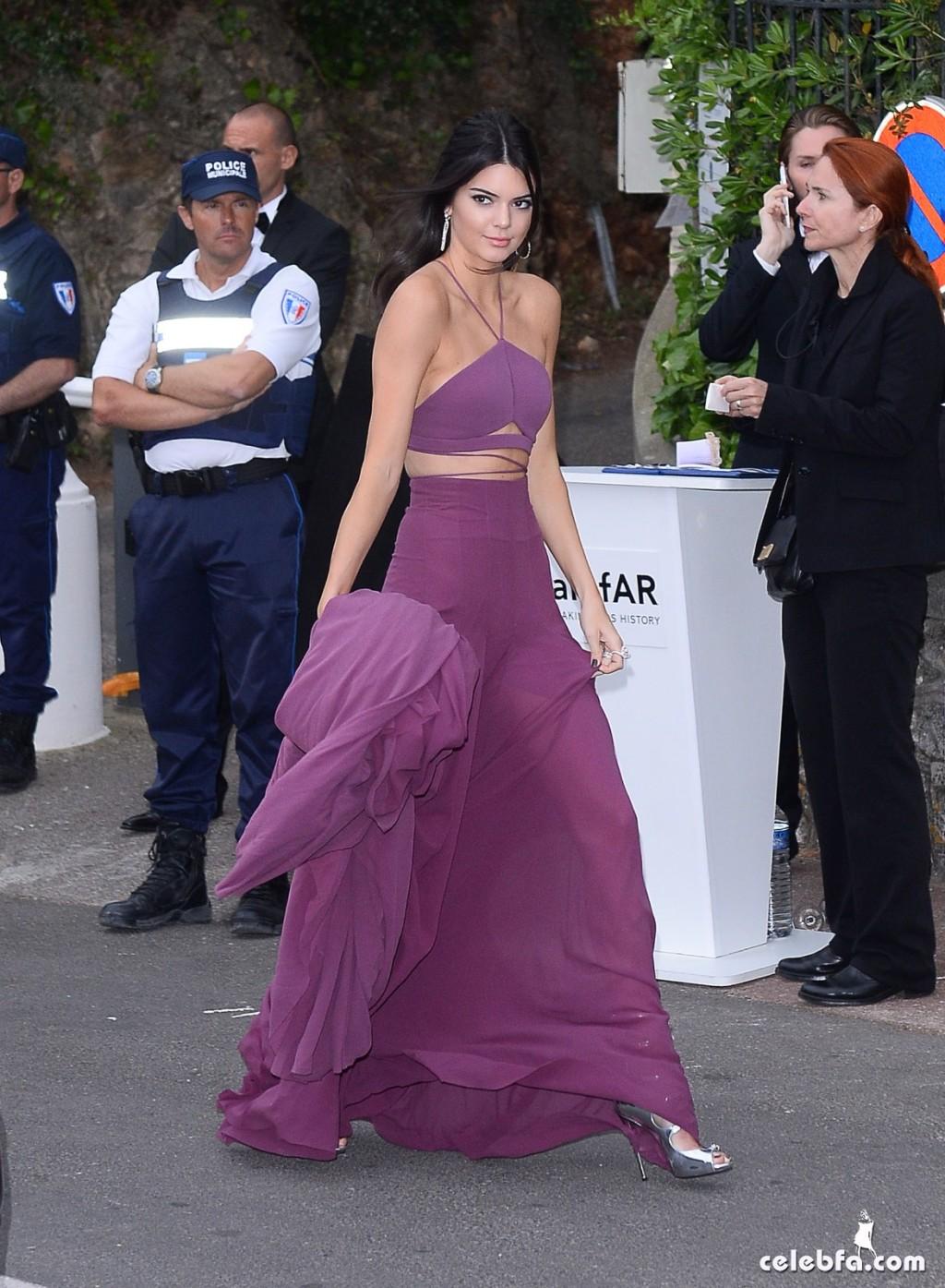 Kendall_Jenner_amfAR's Cannes Gala (14)