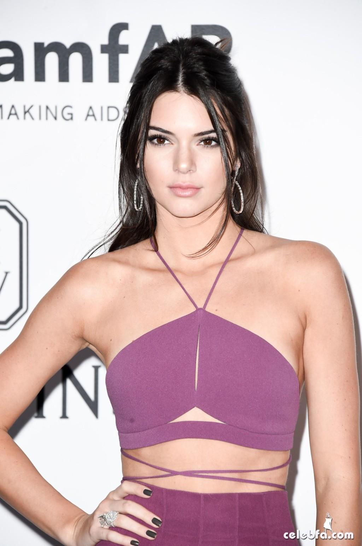 Kendall_Jenner_amfAR's Cannes Gala (18)