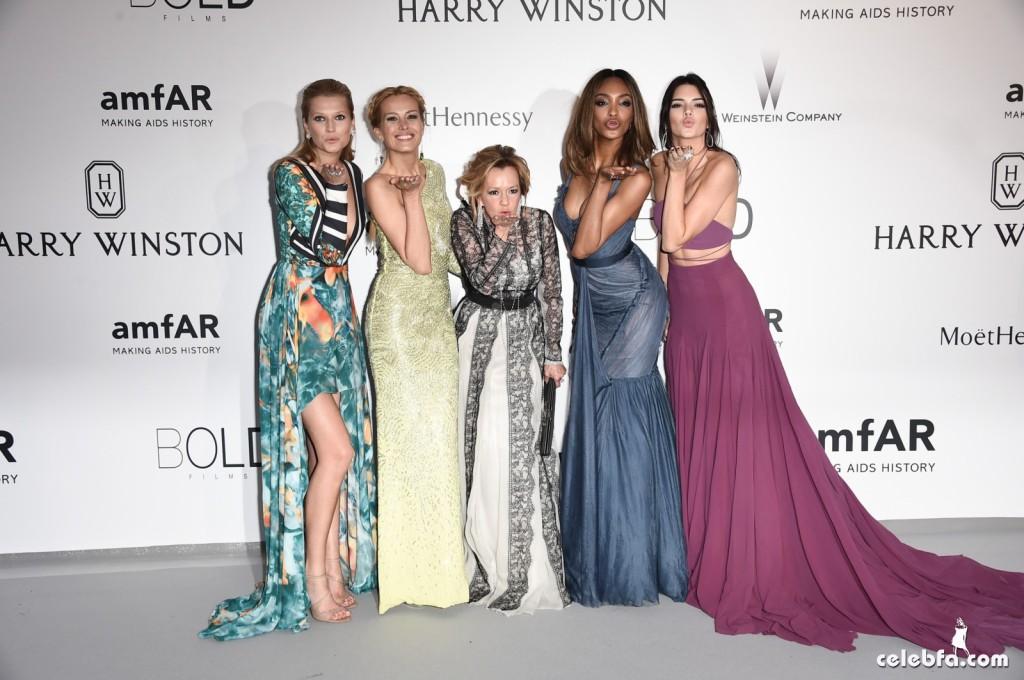 Kendall_Jenner_amfAR's Cannes Gala (21)