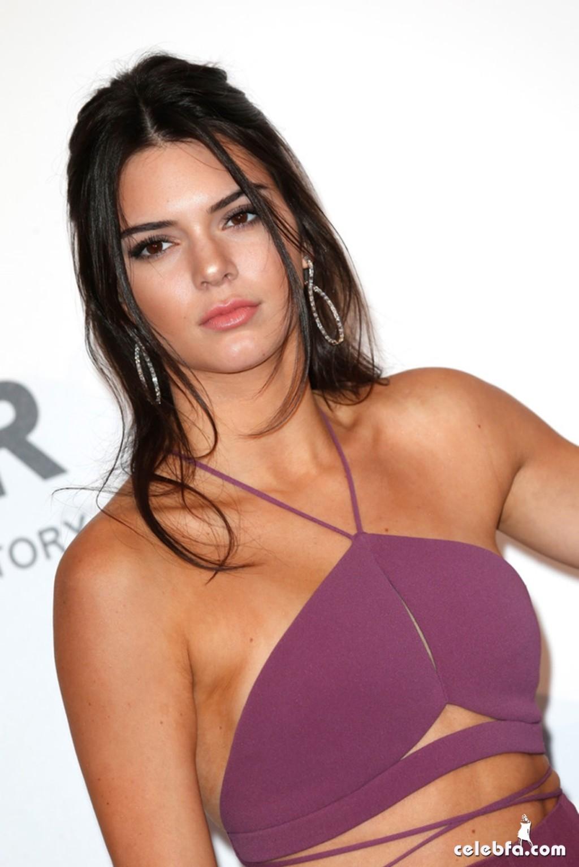 Kendall_Jenner_amfAR's Cannes Gala (4)