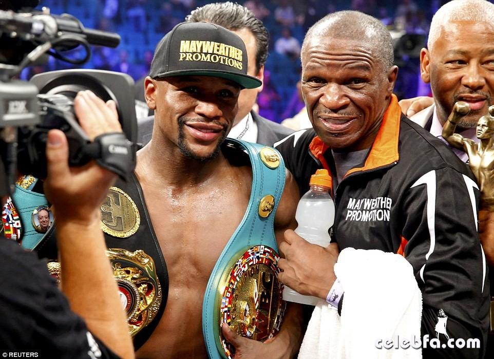 mayweather vs pacquiao fight box (4)