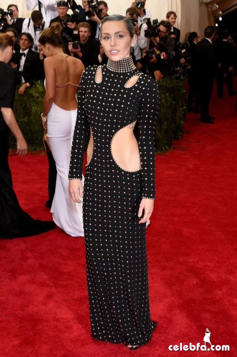 miley-cyrus-at-met-gala-2015 (1)