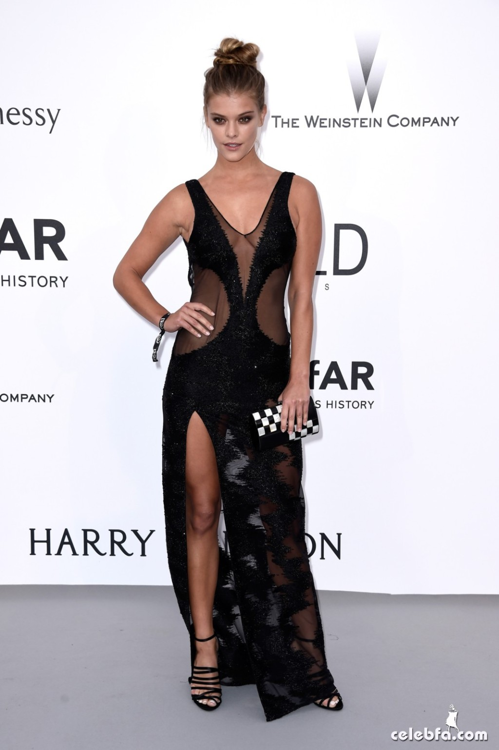 Nina_Agdal_amfAR's Cannes Gala (1)