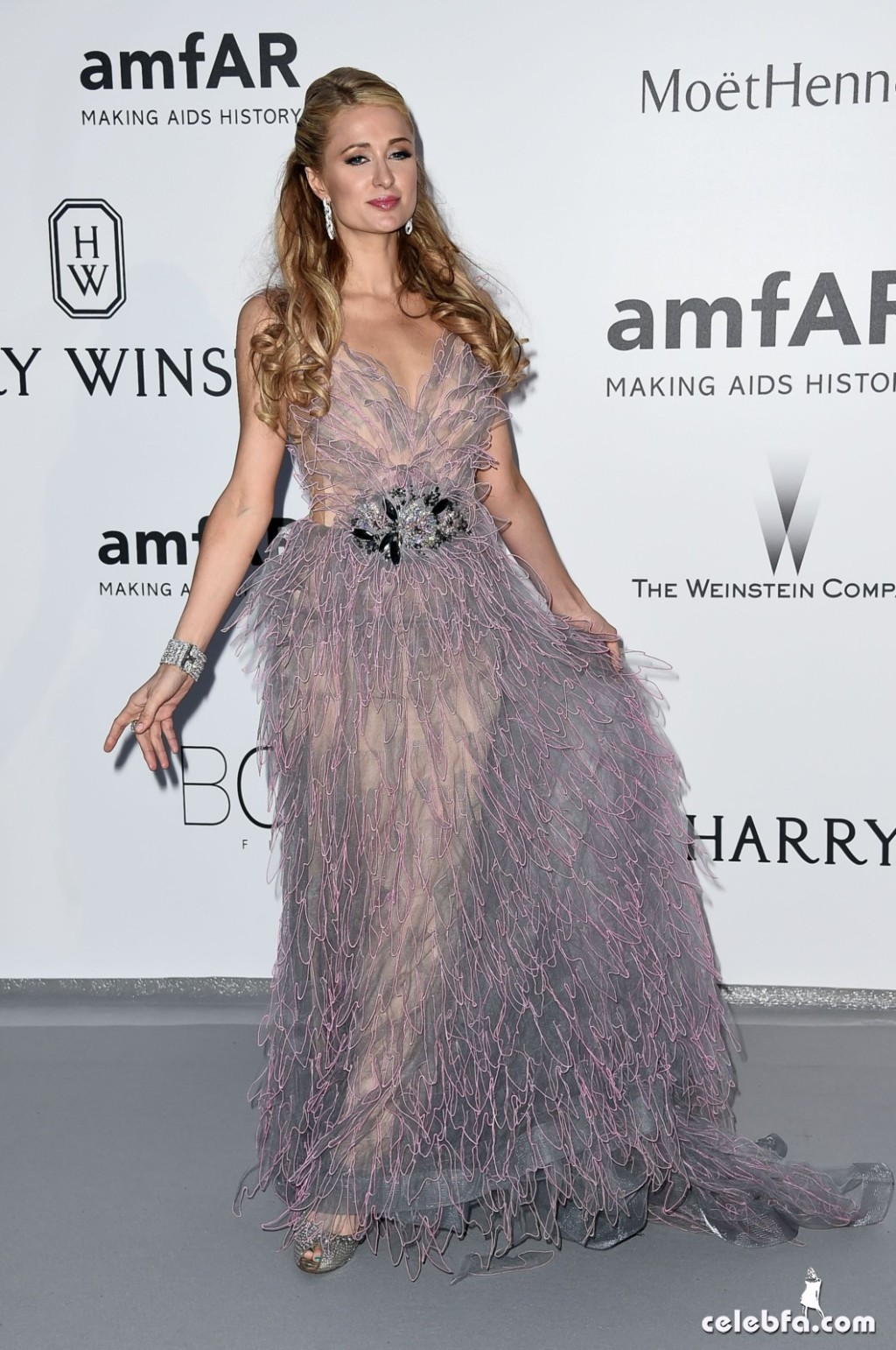 Paris Hilton_amfAR's Cannes Gala (2)