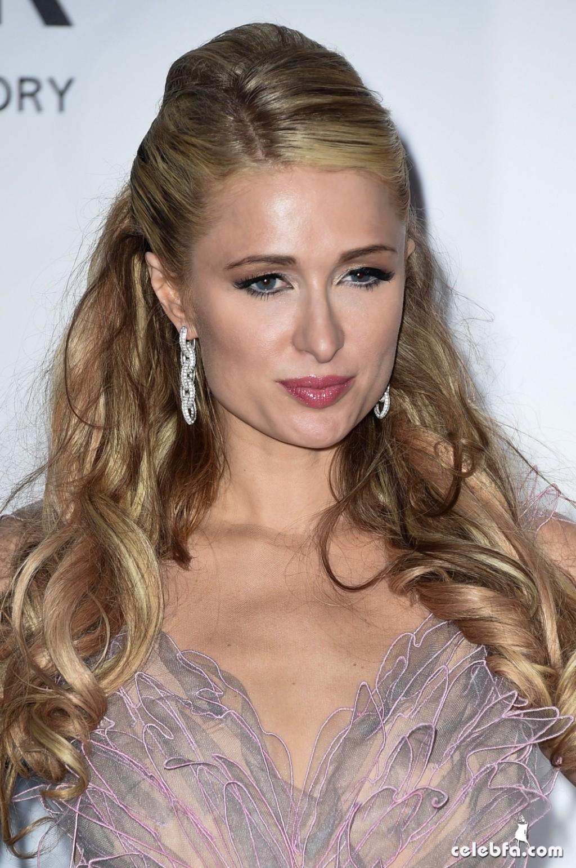 Paris Hilton_amfAR's Cannes Gala (3)