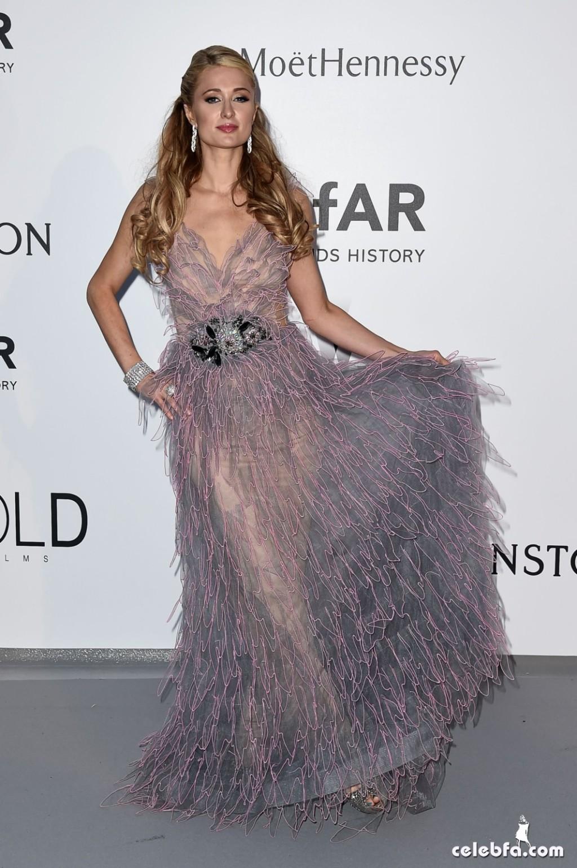 Paris Hilton_amfAR's Cannes Gala (4)