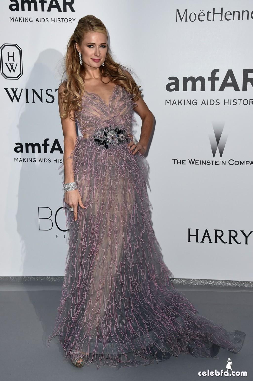 Paris Hilton_amfAR's Cannes Gala (5)