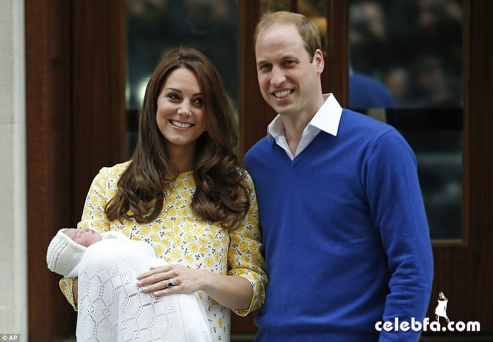 royal-baby-girls-first-photos-with-kate-middleton-prince-william (1)