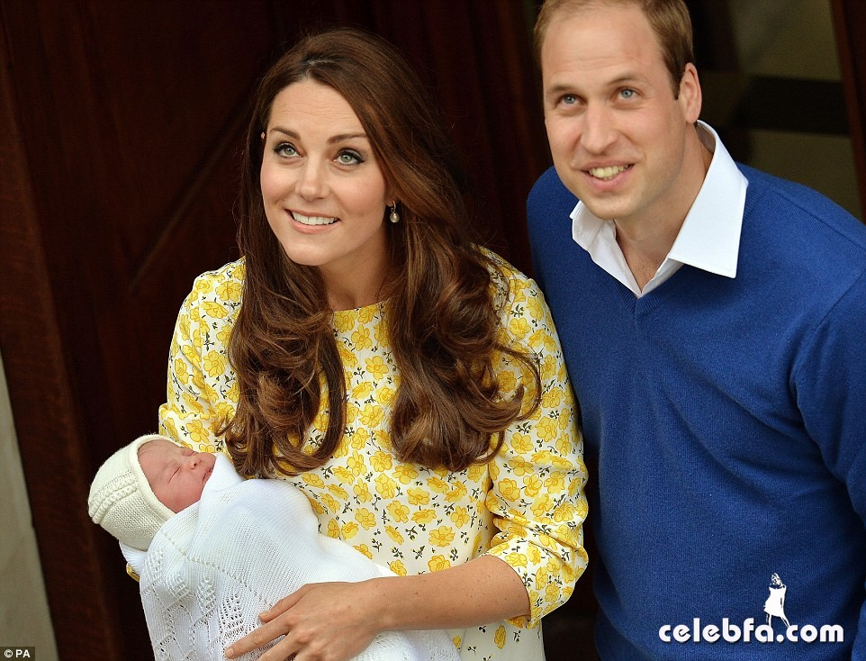 royal-baby-girls-first-photos-with-kate-middleton-prince-william (7)