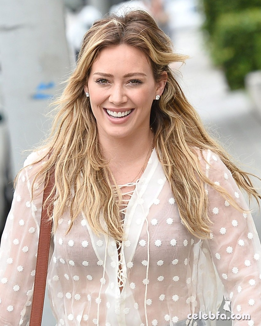 hilary-duff-in-west-hollywood (4)