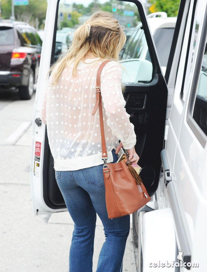 hilary-duff-in-west-hollywood (5)