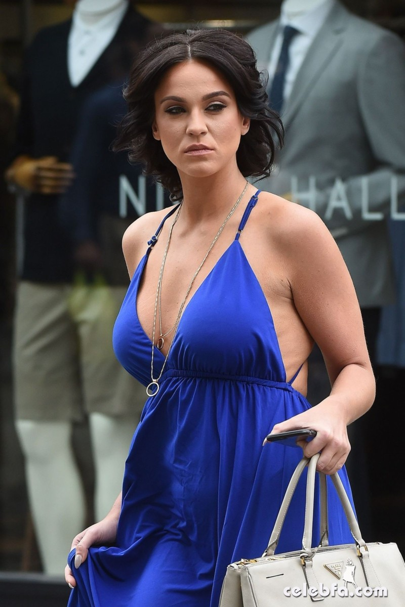 vicky-pattison-out-shopping-in-london (1)