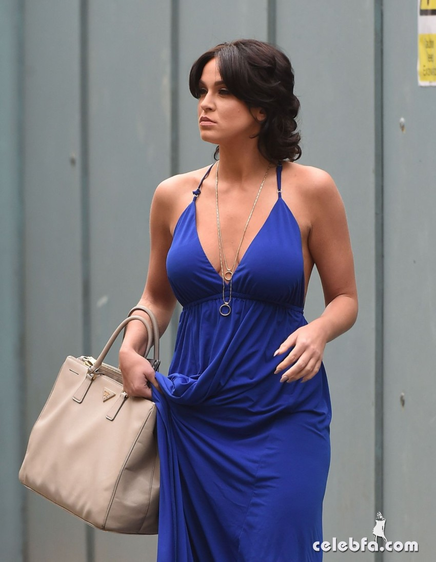 vicky-pattison-out-shopping-in-london (2)
