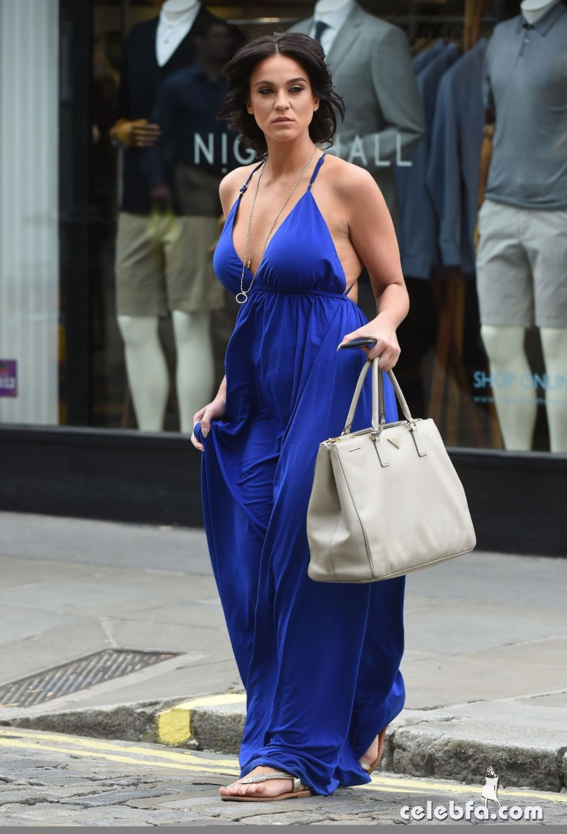 vicky-pattison-out-shopping-in-london (3)