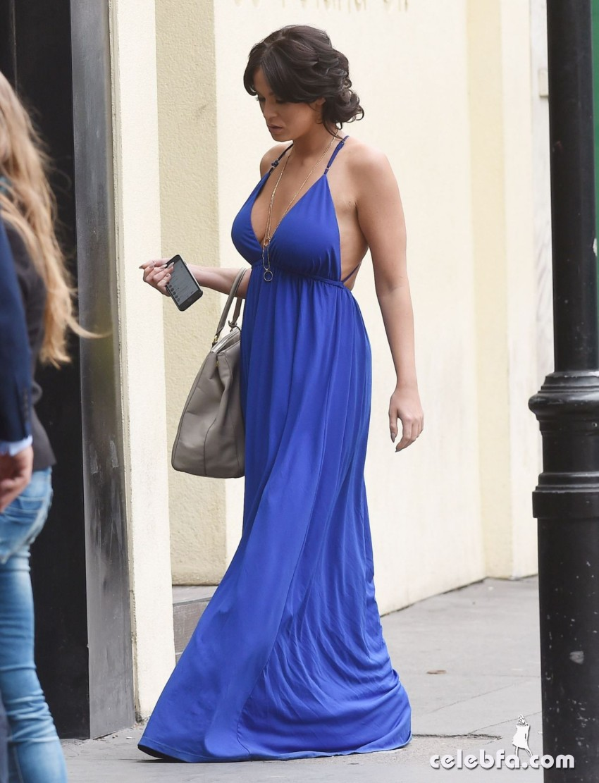 vicky-pattison-out-shopping-in-london (4)