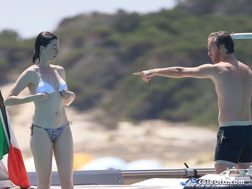 anne-harhaway-in-bikini-at-a-boat-in-ibiza (7)