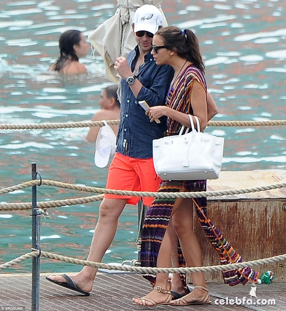 Bradley Cooper & Irina Shayk (10)