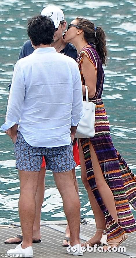 Bradley Cooper & Irina Shayk (15)