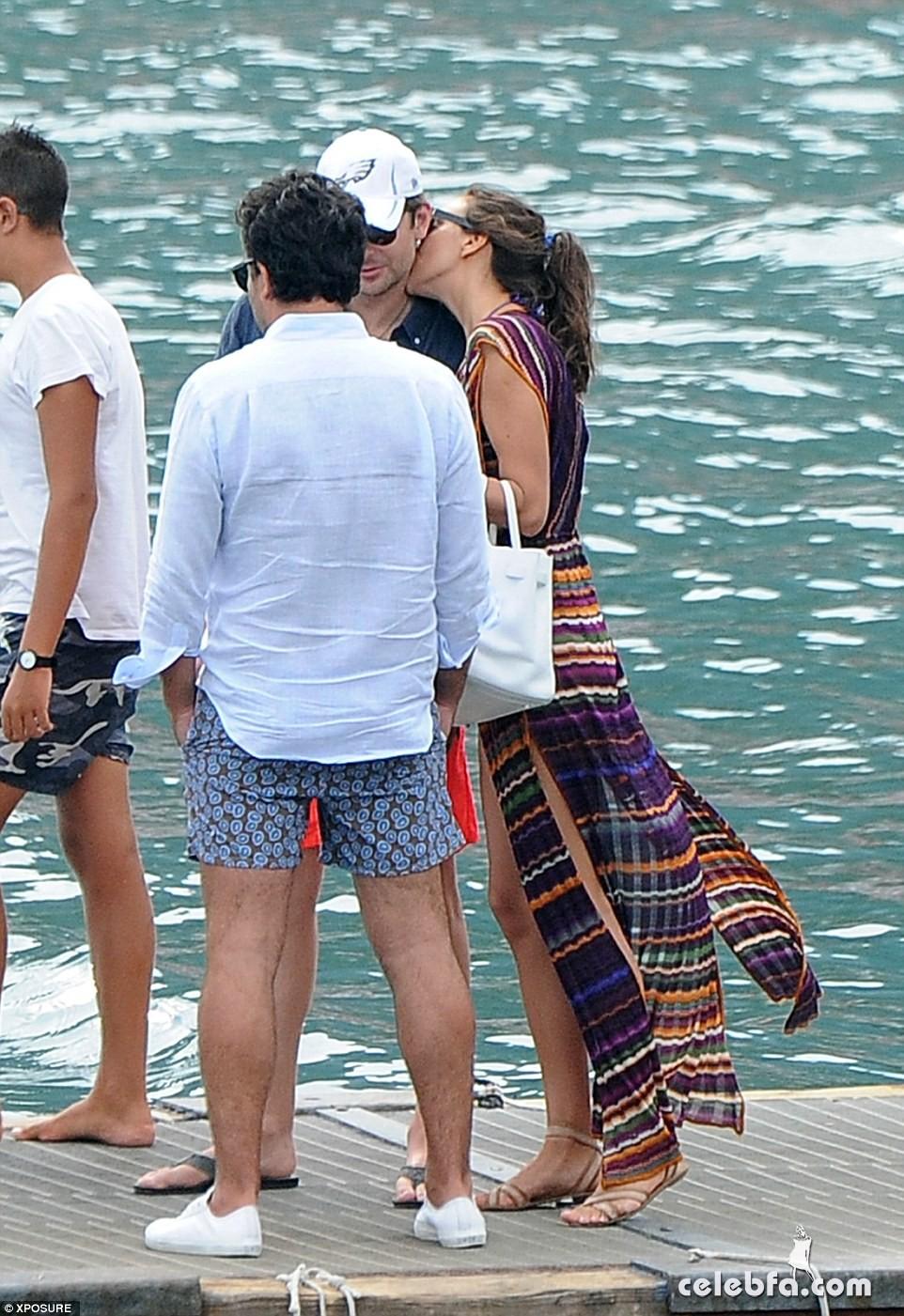 Bradley Cooper & Irina Shayk (9)