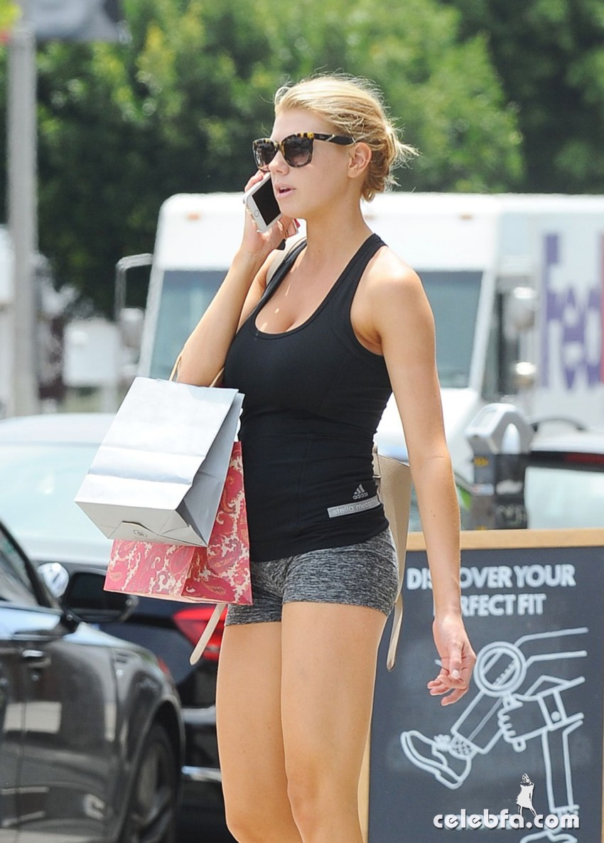charlotte-mckinney-out-in-los-angeles (10)