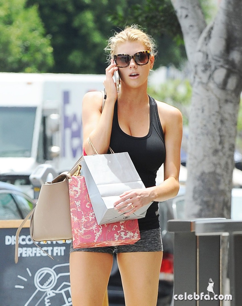 charlotte-mckinney-out-in-los-angeles (3)