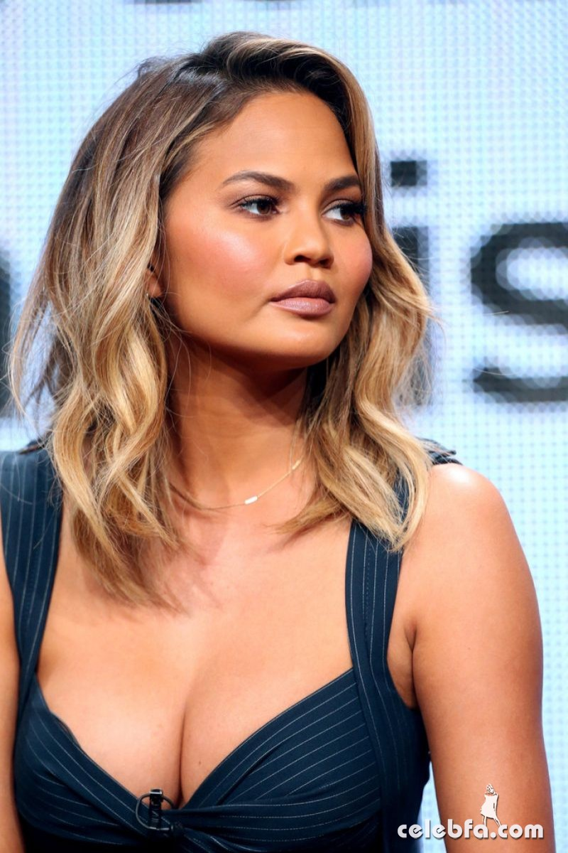 chrissy-teigen-at-the-fab-life-panel-at-2015-summer-tca-tour (3)