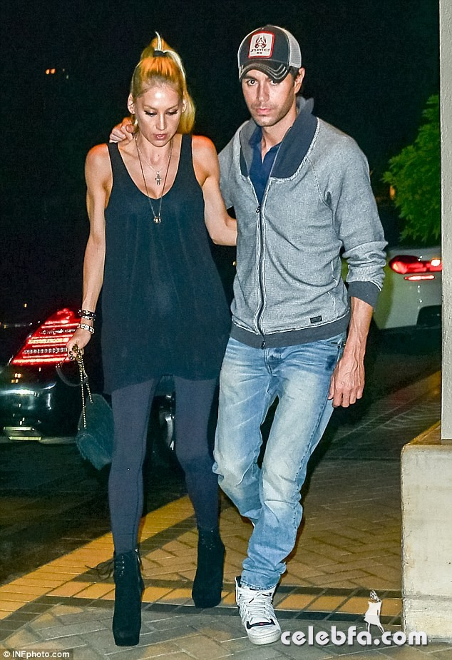 Enrique Iglesias & Anna Kournikova (1)