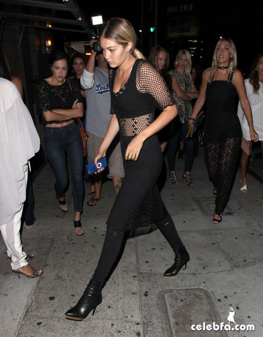 gigi-hadid-at-toca-madera-restaurant-in-west-hollywood (5)