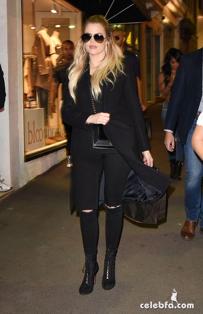khloe-kardashian-out-shopping-in-sydney (3)