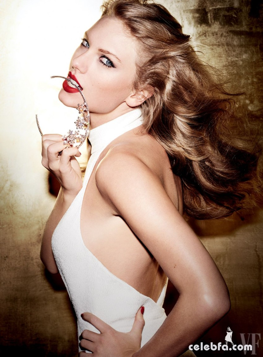 taylor-swift-for-vanity-fair-magazine-by-mario-testino-september-2015 (4)
