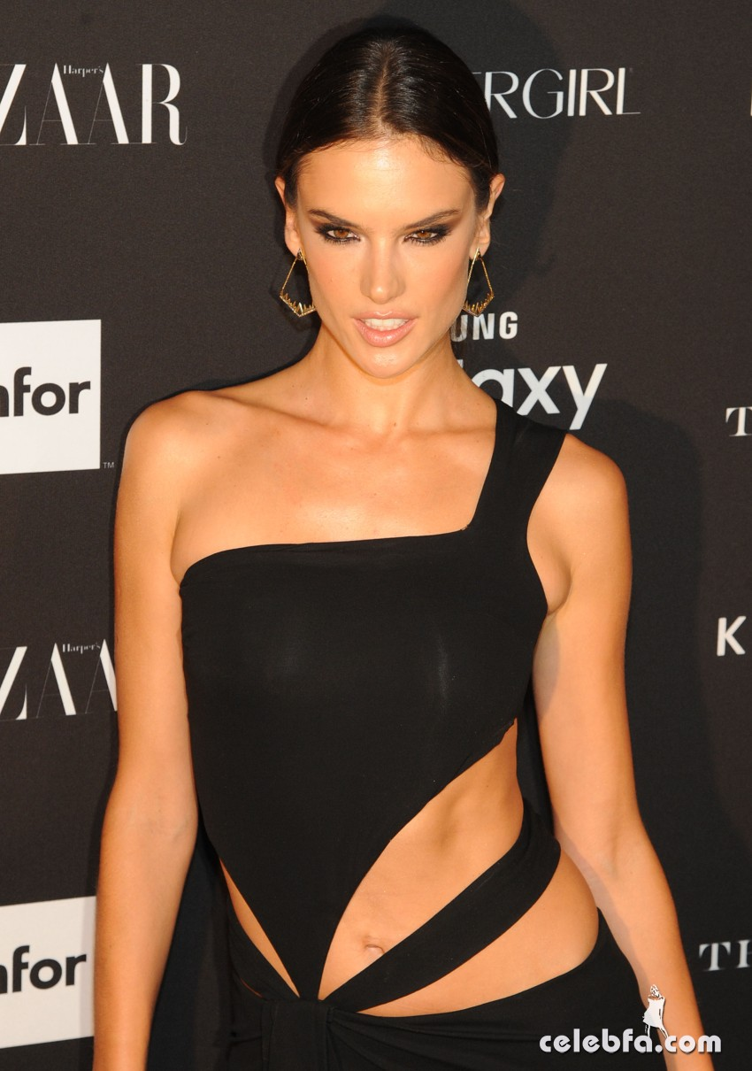 alessandra-ambrosio-at-2015-harper-s-bazaar-icons-event-in-new-york-09-16-2015 (3)