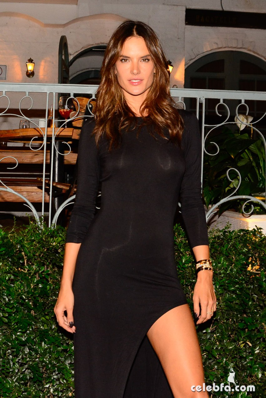 alessandra-ambrosio-fashion-show-in-milan (8)