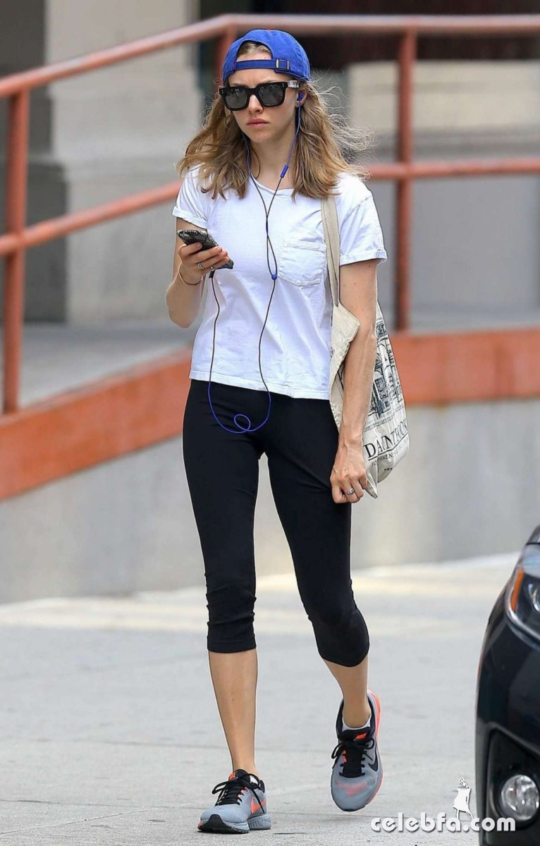 amanda-seyfried-in-new-york (1)